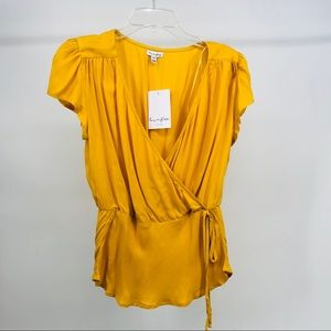 LOVE FIRE ,YELLOW SHORT SLEEVE WRAP TOP, MED NWT